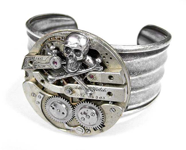 Steampunk Cuff Silver Skull Champange Antique Pocket Watch Adjustable Bracelet